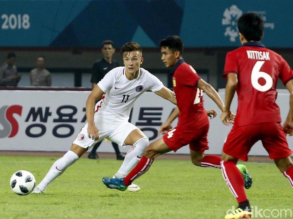 Hong Kong memperbesar keunggulan di menit ke-85 menjadi 3-1. Bek Laos, Lounlasy Lathasy, melakukan bunuh diri setelah membelokkan bola umpan tarik Tan Chun. Skor tersebut bertahan hingga laga usai untuk kemenangan Hong Kong.