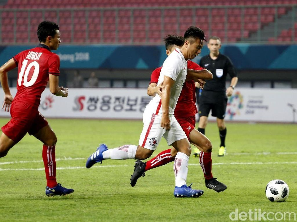 Hong Kong membuka keunggulan di menit ke-19 lewat gol Cheng Hin Lung.