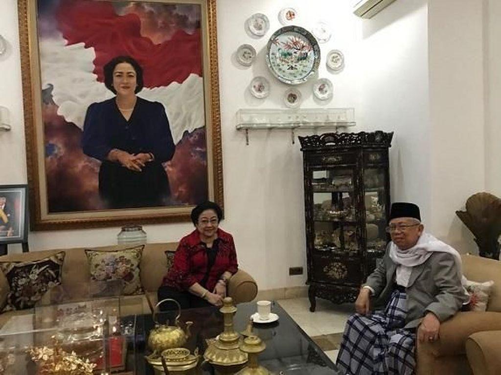 Usai ditetapkan sebagai Cawapres, beliau sambagi kediaman Megawati untuk berbincang sekaligus menikmati secangkir teh hangat. Foto: Istimewa