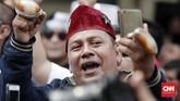 Pasangan Prabowo-Sandiaga sendiri diusung oleh empat partai yaitu Gerindra, PKS, PAN, dan Demokrat. (CNNIndonesia/Safir Makki)