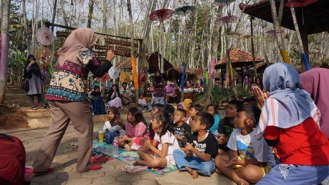 Pasar Karetan Semarang Diuji Coba Jadi <i>Nomadic Market</i>