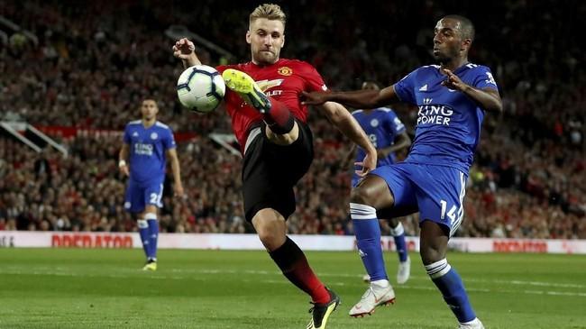 Setelah mengalami kebuntuan usai unggul 1-0, Luke Shaw akhirnya menggandakan keunggulan Manchester United pada menit ke-83. (Reuters/Andrew Boyers)