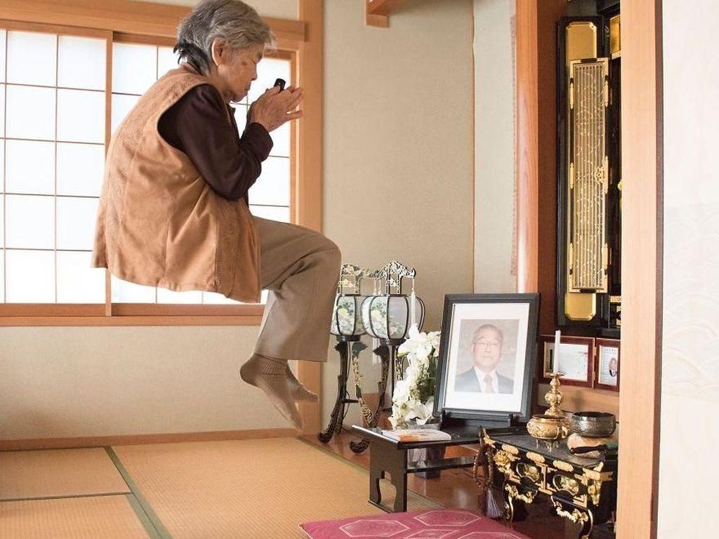 Viral, Cara Nenek 90 Tahun Ini Nikmati Hidup Lebih Asyik dari Kamu