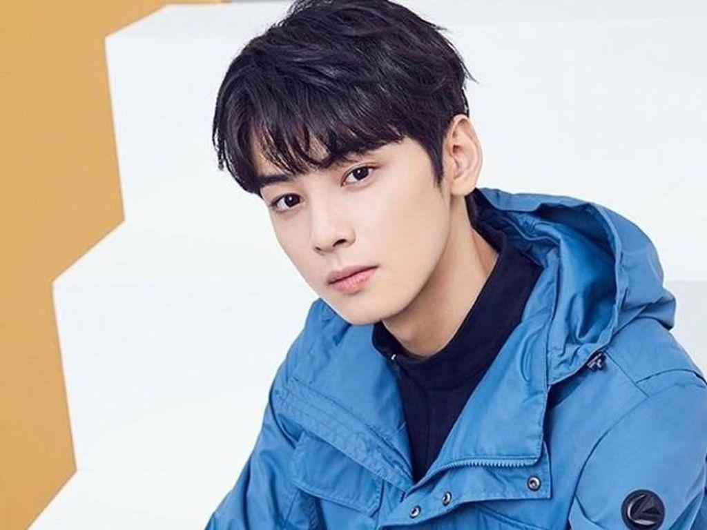 Netizen Sebut Aktor ini Wajah Gantengnya Nggak Wajar, Nyaris Sempurna