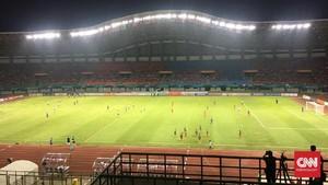 Pelatih Laos Sebut Lapangan Stadion Patriot Buruk