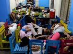 Dilanda Badai, Puluhan Ribu Warga Filipina Mengungsi
