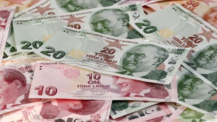 Turki Perang Lawan Suriah, Mata Uang Lira Loyo