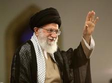 Ayatollah Khamenei:  Ekonomi Iran Sengsara Gara-Gara Trump