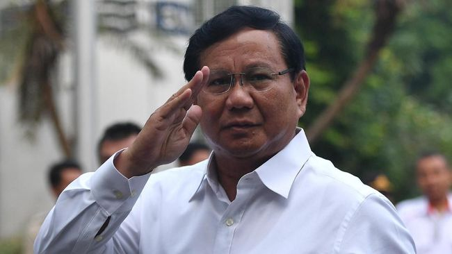 Prabowo Upacara 17 Agustus di Universitas Bung Karno