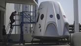 SpaceX berencana untuk menggunakan pesawat luar angkasa Dragon, versi penumpang dari kapal kargo robot robot, untuk membawa astronot NASA ke Stasiun Luar Angkasa Internasional(David McNew/Getty Images/AFP)