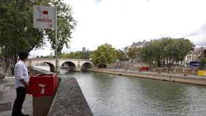 Toilet 'Terbuka' Bikin Geger Paris