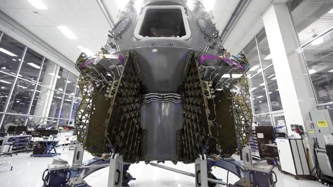 SpaceX berencana untuk menggunakan pesawat luar angkasa Dragon, versi penumpang dari kapal kargo robot robot, untuk membawa astronot NASA ke Stasiun Luar Angkasa Internasional. (REUTERS/Mike Blake)