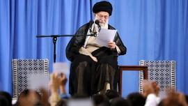Ali Khamenei Sebut AS Terkait Serangan ke Parade Militer Iran