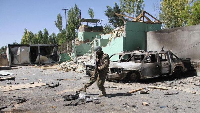 Taliban Serang Kamp Pasukan Afghanistan, 23 Tewas