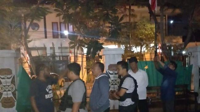 Mahasiswa Papua di Surabaya dan Ormas Ribut Gara-Gara Bendera