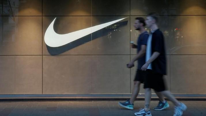 Perseteruan antara National Basketball Association (NBA) dan China berpotensi melukai bisnis Nike.