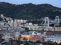 Duka Pemadam Kebakaran sampai Warga Sekitar Jembatan Genoa