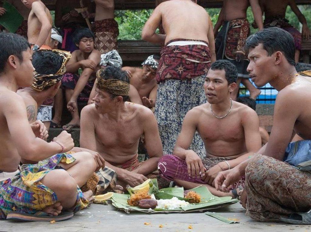 Tradisi Makan Bersama Melestarikan Budaya dan Kuliner