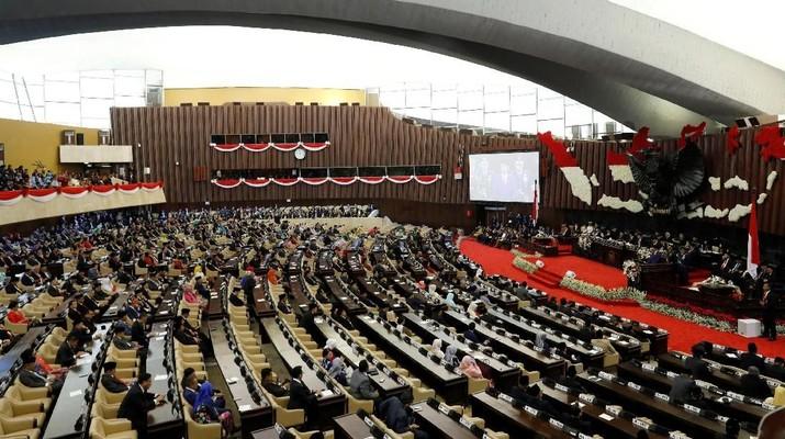 Pemerintahan Presiden Joko Widodo (Jokowi) masih dihadapkan pada tantangan yang cukup berat.