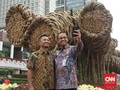 Anies Resmikan Instalasi Seni Bambu Rp550 Juta di Bundaran HI