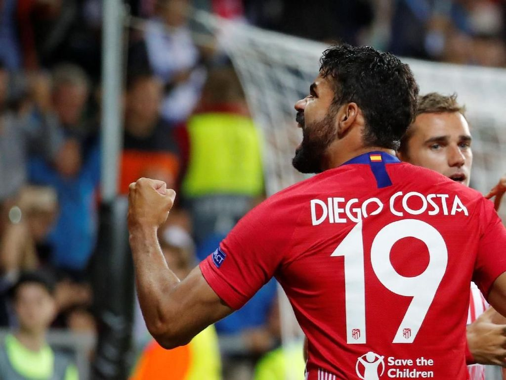 Diego Costa dapat Zarra Trophy atas ketajamannya bersama Atletico Madrid di musim 2013/2014. Tapi setelah tiga laga di La Liga musim ini dia masih nol gol. (Maxim Shemetov/REUTERS)