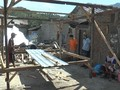 VIDEO: Warga Lombok Inisiatif Bangun Rumah Sementara