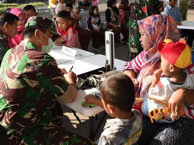 TNI dan US Army Gelar Pengobatan Gratis