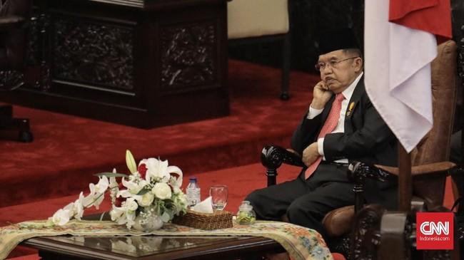 Wakil Presiden Jusuf Kalla menghadiri pembukaan Sidang TahunanMPR/DPR/DPD RI 2018di Kompleks Parlemen, Senayan, Jakarta(16/8). (CNN Indonesia/Hesti Rika)