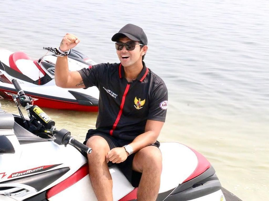 Gaya Kekinian Aero Aswar, Atlet Jetski Ganteng di Asian Games 2018