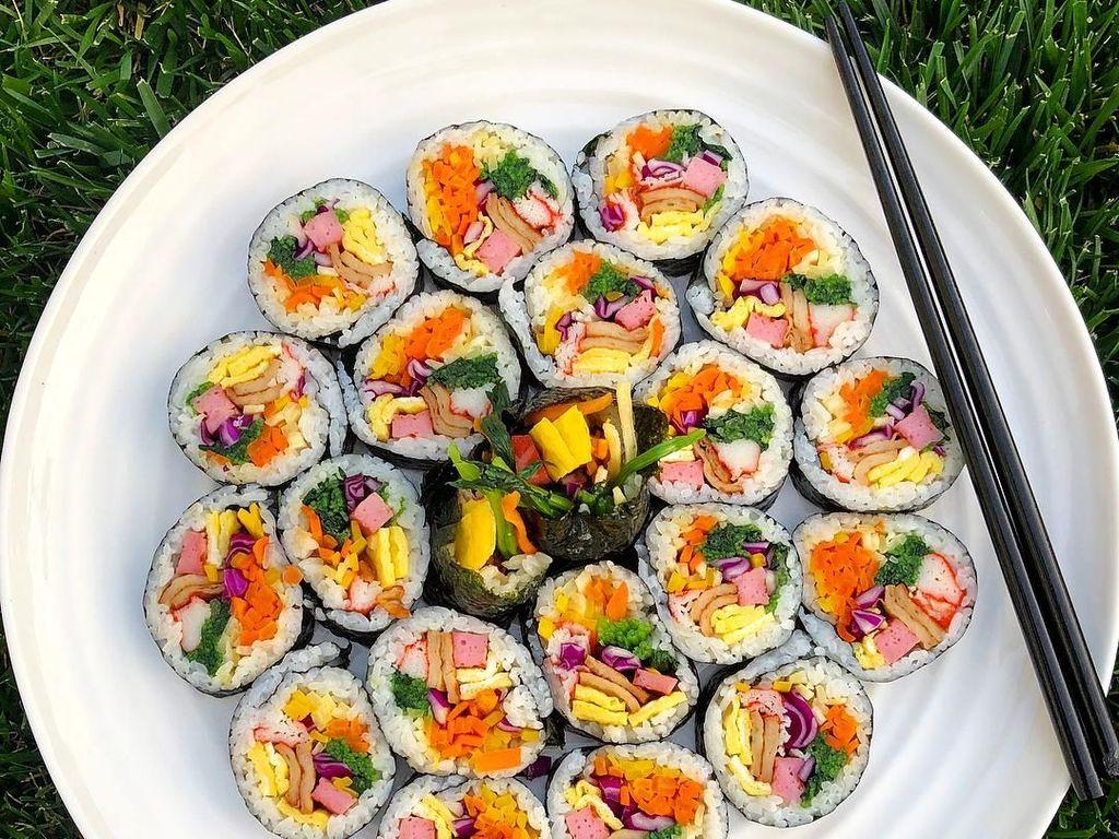 Gurih Lezat Kimbap, 10 Jenis Sushi Khas Korea Ini Bikin Ngiler