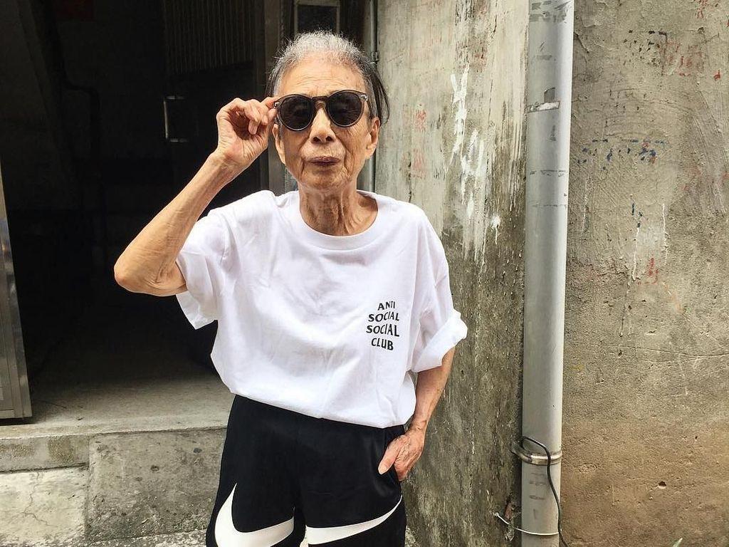 Foto: Nenek Kece & Swag Berusia 90 Tahun, Gayanya Super Hypebeast