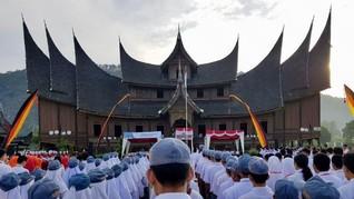 PT Bukit Asam Tbk Upacara HUT ke-73 RI di Istana Pagaruyung