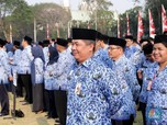 Hore! Jokowi Keluarkan PP Nomor 44, Soal Gaji ke-13 PNS