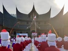 PTBA dan BGR Gelar Upacara 17 Agustus di Istana Pagaruyung