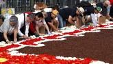 Festival itu dimulai sejak 1971. Saat pemerintah kota Brussels kepincut dengan festival merangkai bunga di Provinsi Flanders. (REUTERS/Yves Herman).