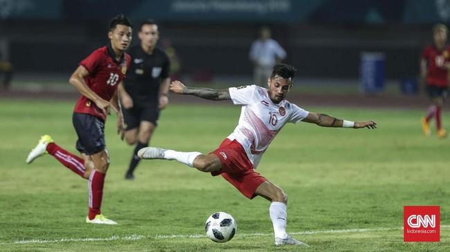 Stefano Lilipaly gagal menambah koleksi golnya saat Timnas Indonesia U-23 berhasil menaklukkan Laos dengan skor 3-0. (CNNIndonesia/Adhi Wicaksono)