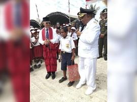 Joni 'Si Pemanjat Tiang Bendera' Berangkat ke Jakarta