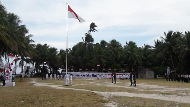 Upacara Bendera di Pulau Terluar Indonesia