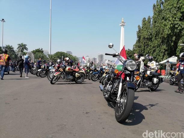 Konvoi Motor Bertemakan Historical Riding