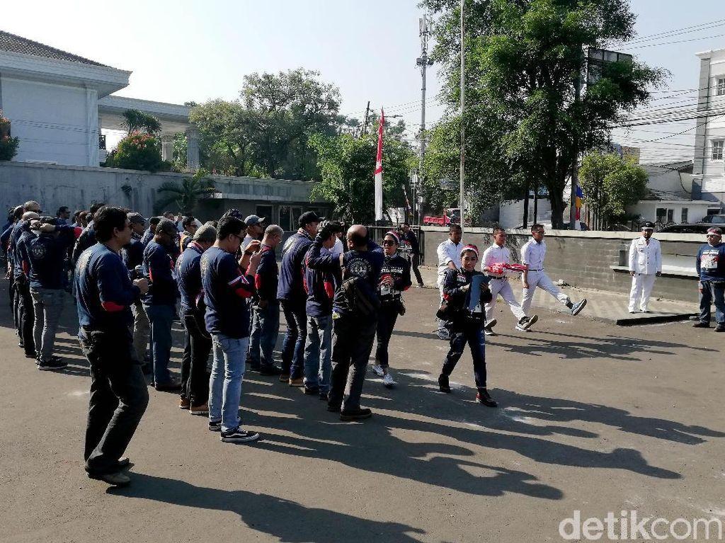 Kegiatan tersebut diadakan untuk menyambut Hari Kemerdekaan Indonesia dan mengenang para pahlawan. Selain itu, kegiatan tersebut juga diadakan untuk mendukung para atlet Indonesia yang sedang berjuang mengharumkan nama Indonesia di ajang Asian Games 2018.