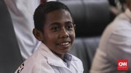 Senyum Lebar Joni Pemanjat Tiang Dapat Bantuan Renovasi Rumah