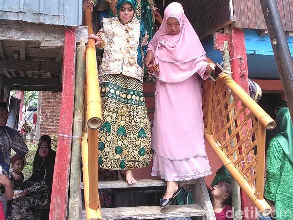 Kakek tajir Muhammad Ali Dg Makkelo (70) asal Bone, Sulsel, resmi menikahkan pujaan hatinya Andi Nurfhaidah (30). (Zul-detik)