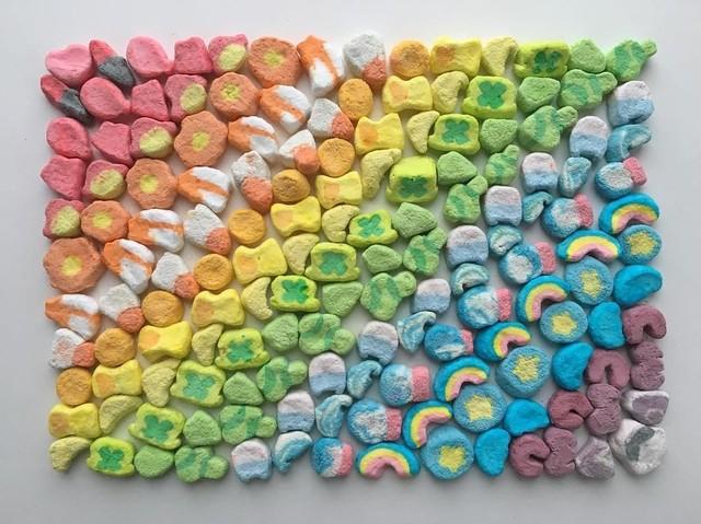 Keren! Seniman Ini Hasilkan Karya Gradasi Warna dari Makanan