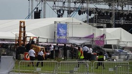 Backstreet Boys Batalkan Konser Karena Serangan Badai