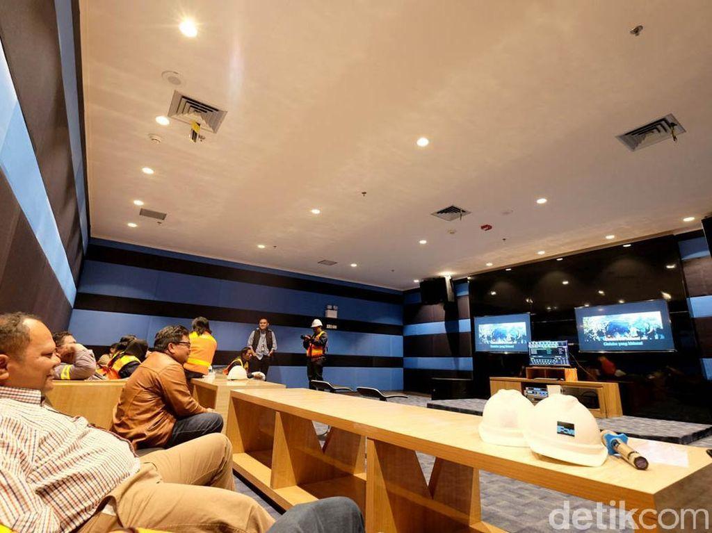 Ruang karaoke juga bisa menghibur pekerja yang ingin mengekspresikan suaranya di sini.