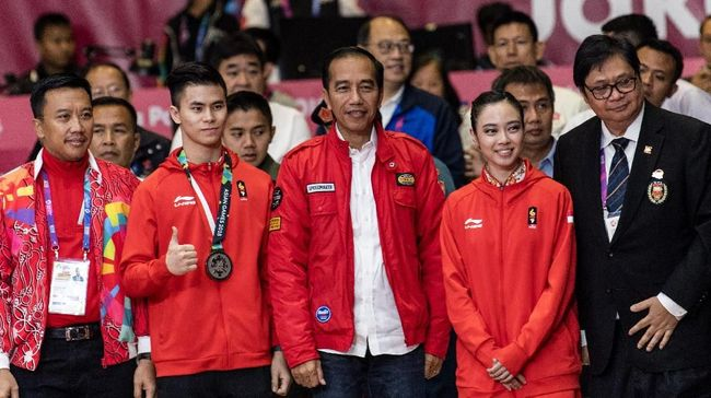 Keriuhan Istora Sambut Jokowi Jelang Indonesia vs China