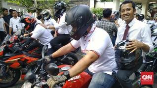 Sekjen Koalisi Jokowi Daftar Tim Kampanye ke KPU Naik 'Moge'
