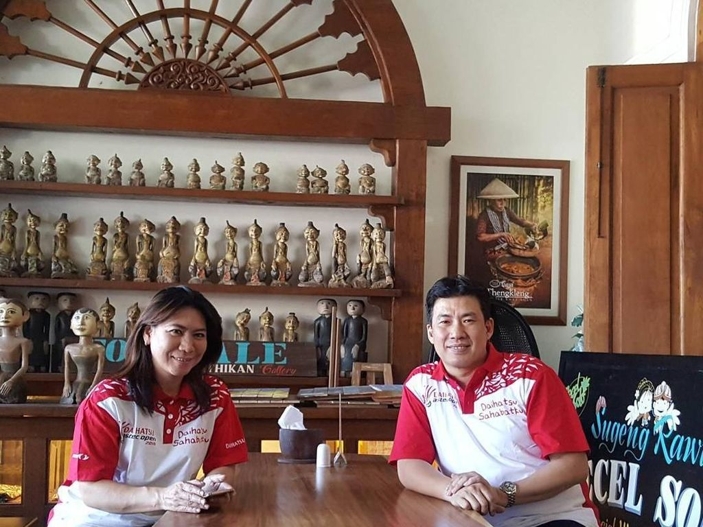 Mantan Atlet Badminton Susi Susanti Hobi Kulineran Bareng Suami