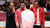 Presiden Jokowi dan Menpora Imam Nahrawi hadir langsung menyaksikan perjuangan Lindswell Kwok meraih medali emas. (ANTARA FOTO/INASGOC/Ismar Patrizki)