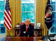 Negara Lain Lockdown, Trump Minta Bisnis AS 'Reopen' Segera?